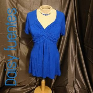 DAISY FUENTES blue short-sleeve tunic top